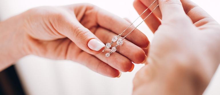 Quels bijoux pour des demoiselles d'honneurs ?